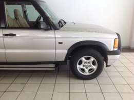 7Land Rover Discovery
