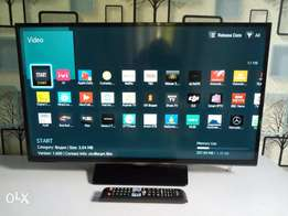 """Samsung 32"""" SMART WiFi and Miracast enabled LED Full HD TV"""