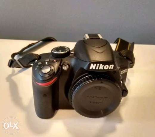 Nikon D3200 with all accessories Kampala - image 4