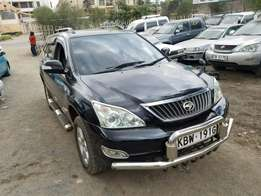 Toyota Harrier 2400 cc,super clean. Buy and Drive