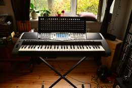 USED yamaha psr 1000 in very good condition