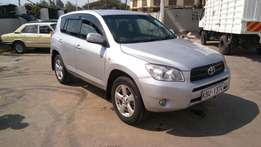 Extremely clean Toyota rav4 kbu 2007 model
