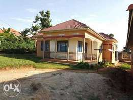 House in mukono town at 100m with 3bedrooms tittled