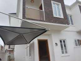 4 bdrm semi-detached duplex with Bq.