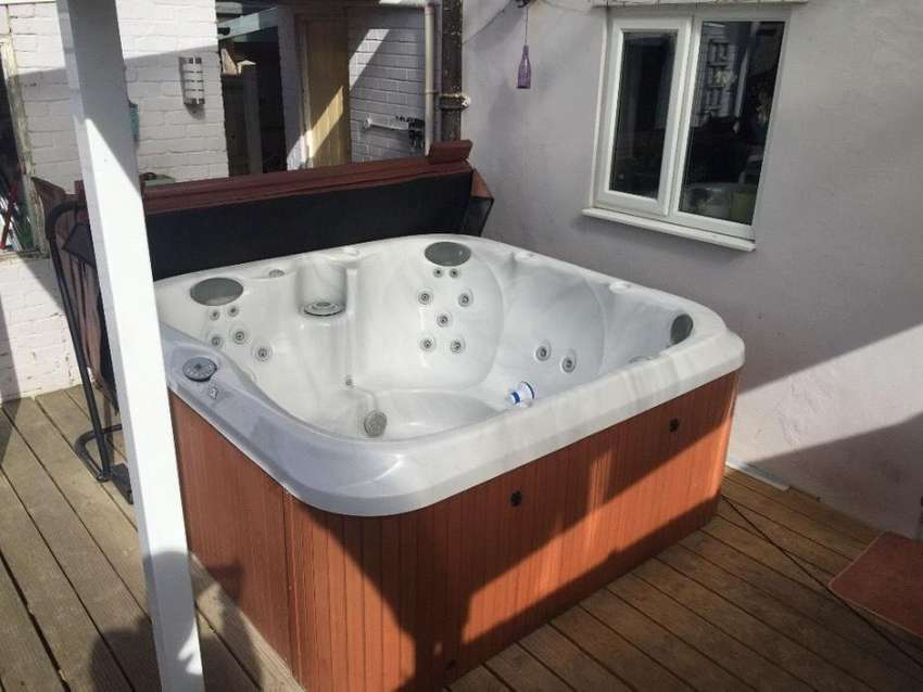 Brand new 4 seater, 6 seater, 7 to 9 seater Jacuzzi For Sale ...