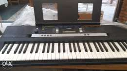 Yamaha Keyboard plus stand for sale