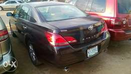 Very Clean Registered Toyota Avalon 07