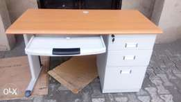Smart brand new 4fit office table