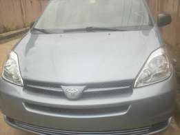 Tokunbo 2004 Toyota Sienna for sale