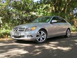 2008 mercedes benz c200 silver in color
