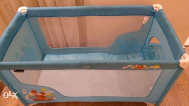 Travelling cot (kid's bed)