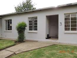 New year bargain 3bedroom house and flat for sale in Warden Free state