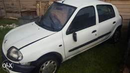 Renault clio 1 spares 1.4 stripping