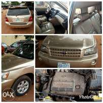 Clean toyota highlander 2003 model at a good offer.