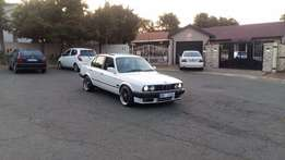 BMW E30 325I Full house sunroof R75000