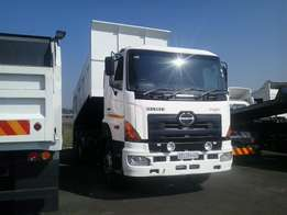 700 Hino 10 Cube Tippers For Sale