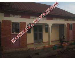 Contageous double with inside bathroom in Namugongo at 250k