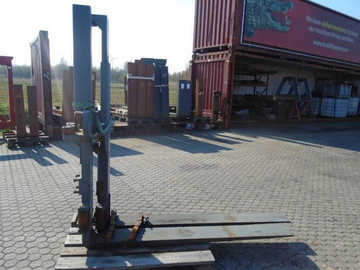 FORK Fitted with Rolls ,Custom 12000kg@600mm //