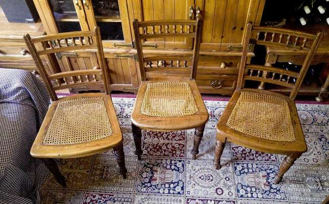 Antique chairs - original chairs from the Matjiesfontein diner Blairgowrie - image 4