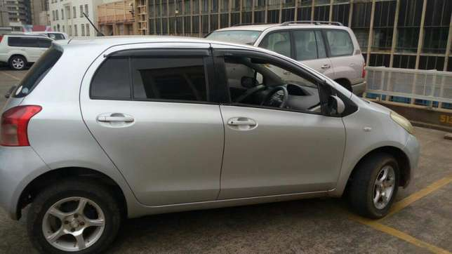 Toyota Vitz 1300cc KBW extremely clean in super condition Nairobi CBD - image 4