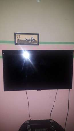 40 Inches Samsung Smart Led TV. Ilorin West - image 4