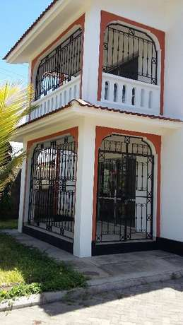 Executive 3 bedroom house(Own compound) to let at Nyali Shree Bamburi - image 4
