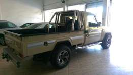 Toyota land cruiser pick up