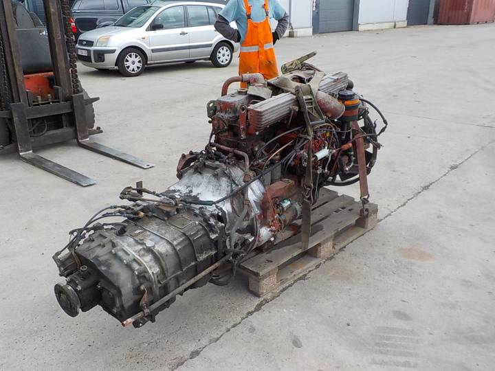 Iveco ENGINE 260 E 27 (WITH GEARBOX) - 1998
