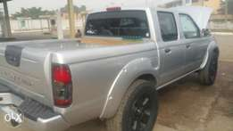 Tokunbo Nissan Frontier pick up