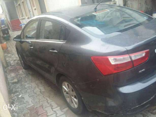 super clean kia rio 2011 model for 1.2m Lekki - image 2