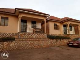 Luxurious two bedroom house for rent in kyaliwajara at 500k