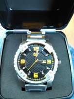 New cat watch very nice and big