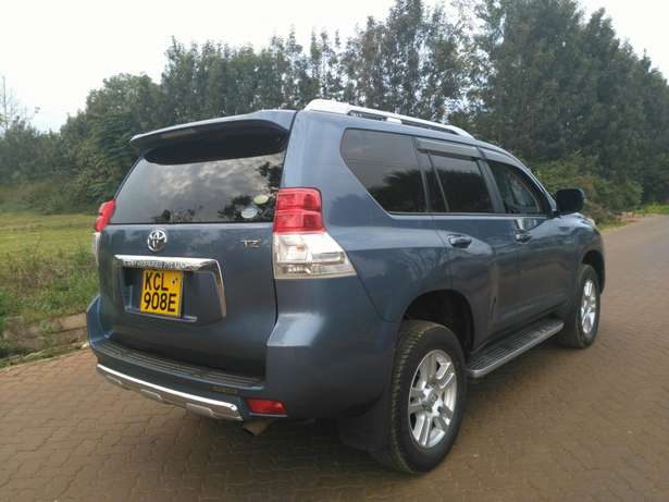 Toyota prado TZ 2011 with sunroof Ridgeways - image 4