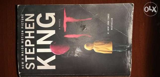 IT (Chapter 1&2) - Novel by Stephen King (slightly used, 1000+ pages)
