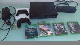 Xbox One day one 500GB Kinect Bundle with 4 games and extra wireless c