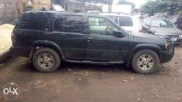 Nissan Pathfinder 1999 model Jeep, Nigerian used and in great conditio