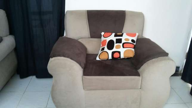 5 seater Harambee - image 5