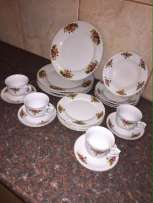 Porcelain 20pc dinner set for sale
