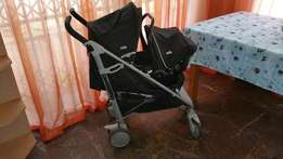 Joie Brisk Stroller Black plus carseat