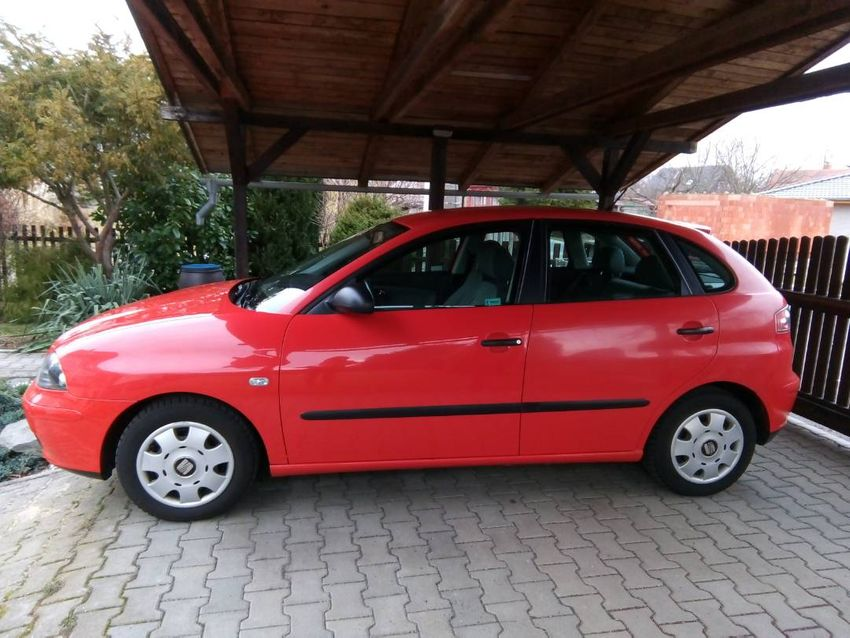 seat ibiza benzin 85 000 km stk do 4 2020 auta 14717501 letgo esk republika. Black Bedroom Furniture Sets. Home Design Ideas