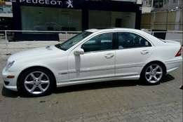 Mercedes Benz C230 Super clean