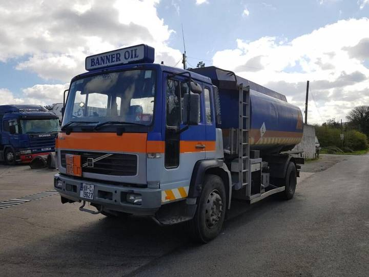 Volvo FLE 220 4x2 - 2001