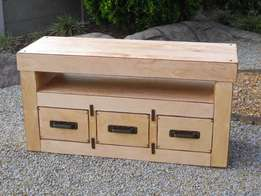 (RS 125) R&S TV Cabinet.