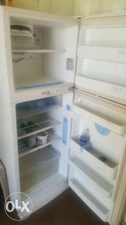 Lg fridge Parklands - image 4