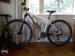 Mountain bike and accesories for sale