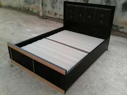 4.5 by 6 bed with lender head board