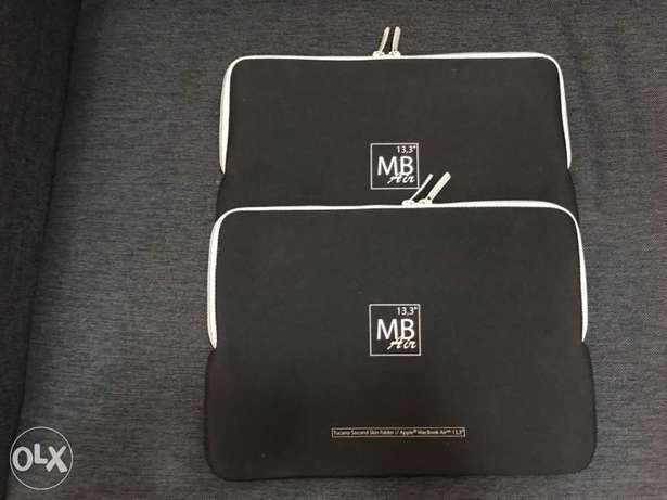 Neoprene Laptop Sleeve To Protect Laptop. 2 Available at a great price