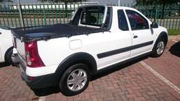 2015 Nissan NP200 1.6 manual with 16000 km Excellent Conditon Like New