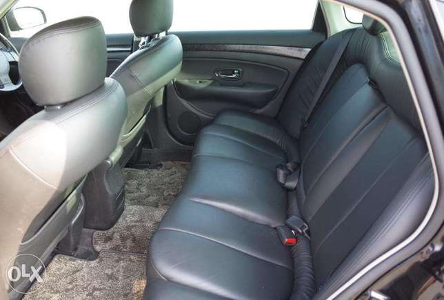 Nissan Bluebird Silphy 2000cc ,2010, leather seats South C - image 5