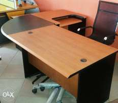 Manager Durable Office Table (87609)